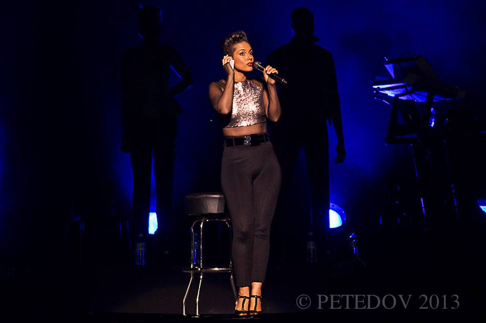 Live Review: Alicia Keys + John Legend @ Allphones Arena, Sydney – December 11, 2013