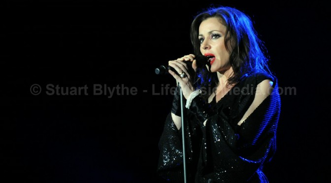 Photo Gallery | Tina Arena + George Perris – Brisbane Convention Centre – August 24, 2014