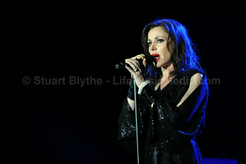 Tina_Arena - photo Stuart Blythe