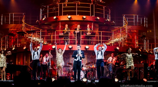 Live Review | Robbie Williams 'Swings Both Ways' @ Brisbane Entertainment Centre – September 22, 2014