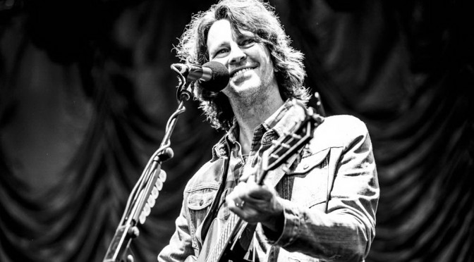 Photo Gallery : Bernard Fanning at Melbourne Zoo Twilights – January 31, 2015
