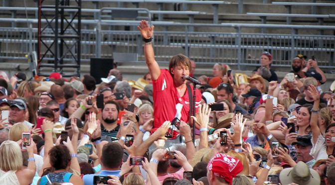 Live Review : Keith Urban live at Buckeye Country Superfest, Columbus, Ohio – June 21, 2015