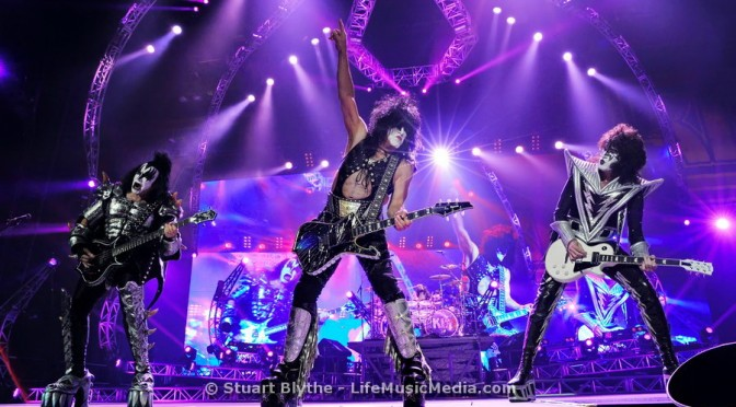Live Review : KISS at Brisbane Entertainment Centre – October 13, 2015