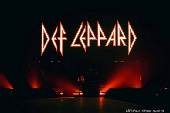 Def Leppard at Qantas Credit Union Arena, Sydney - November 17,