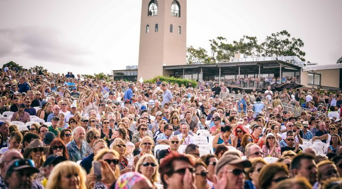 Photo Gallery : Simply Red at Bimbadgen Winery, Pokolbin Australia w/ Tina Arena – February 20, 2016