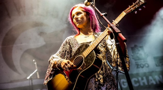 Photo Gallery : Kasey Chambers at Melbourne Zoo Twilights – February 27, 2016