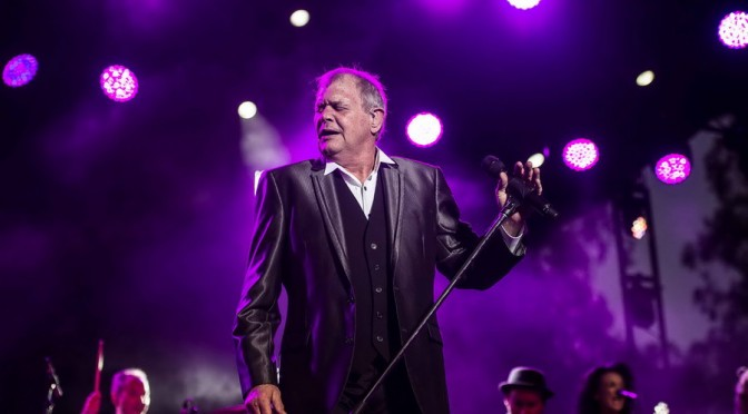 Live Review : John Farnham at A Day On The Green, Mitchelton Wines, Nagambie – 18 February 2017