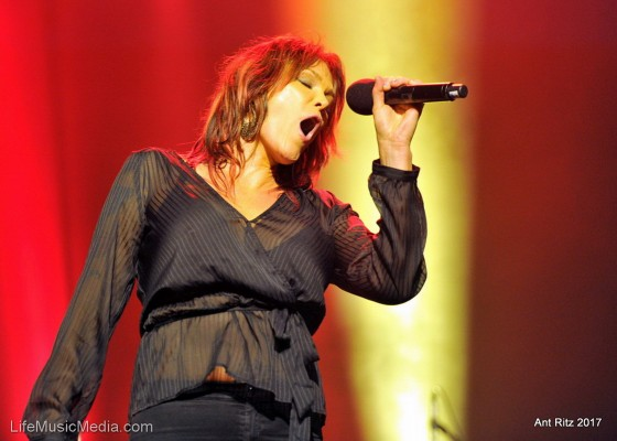 Beth Hart _1867Sat 15th April 2017 (2)