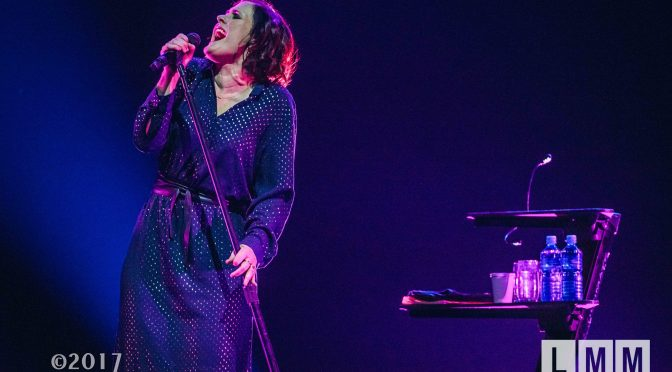 Photo Gallery : Alison Moyet at Margaret Court Arena, Melbourne (with Katie Noonan) – 07 October 2017