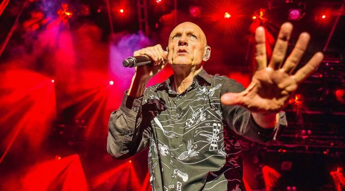 Photo Gallery : Midnight Oil at Gateway Lakes, Wodonga- 3 November 2017