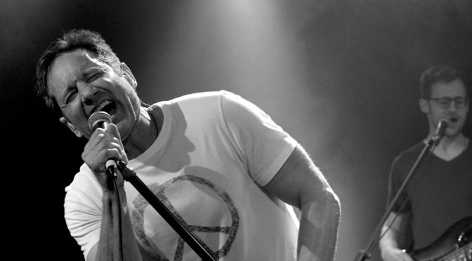 Live Review : David Duchovny + Winterbourne at The Metro Theatre, Sydney – 24 February 2018