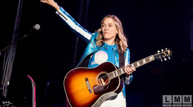 Photo Gallery : Sheryl Crow at Margaret Court Arena, Melbourne on 6 April 2018