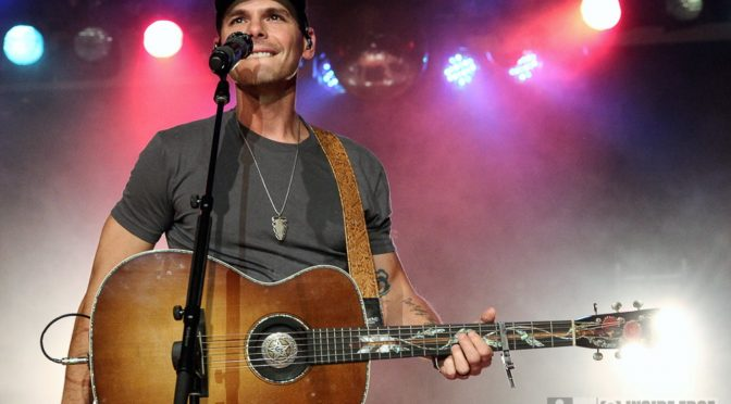 Photo Gallery : Granger Smith at Rooty Hill RSL, Sydney – 25 July 2018
